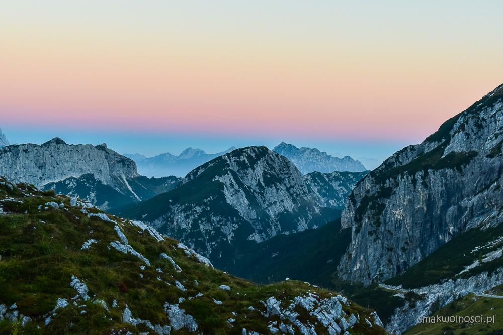 Słowenia, wschód słońca Alpy Julijskie