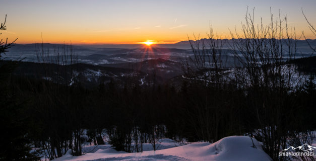 wschód słońca na Policy