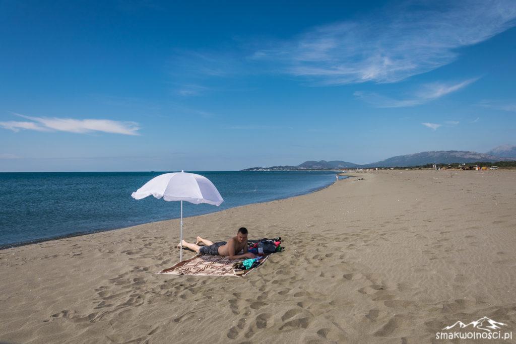piaszczysta plaża nad adriatykiem